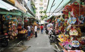 Phố đèn lồng Sài Gòn rực rỡ đón Trung thu.