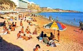 10 bãi biển lý tưởng cho ngày hè nóng nực