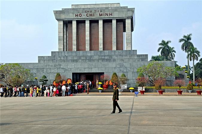 du lịch Hà Nội, Chùa Một Cột, Hồ Hoàn Kiếm, nhà tù Hỏa Lò, Hồ Tây