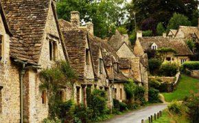 10 ngôi làng đẹp như cổ tích