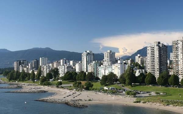 3. Vancouver, Canada Khi nói đến Vancouver, các chuyên gia du lịch cho biết họ khuyến khích bạn nên tìm hiểu văn hóa và thưởng thức các món ăn tại các nhà hàng đa sắc tộc ở đây. Chắc chắn bạn sẽ không phải thất vọng.