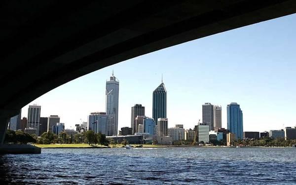 7. Perth, Australia Perth là một thành phố có cá tính riêng biệt, người dân phóng khoáng. Nơi đây cũng được biết đến với ẩm thực ngon và rượu tốt cùng các bãi biển xinh đẹp.