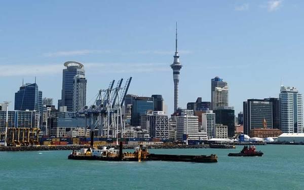 8. Auckland, New Zealand Thành phố cảng nằm phía bắc của New Zealand là một nơi sôi động, dễ tiếp cận và có nhiều hoạt động du lịch thú vị như đi bộ đường dài trên các đảo núi lửa, bơi lợi ở các bãi biển phía tây.