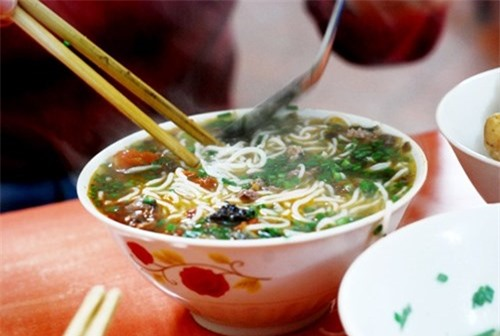12 quán bún ngon nổi tiếng gắn liền tên phố ở Hà Nội - ảnh 11