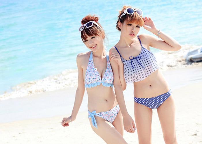 Quần áo bơi khi đi biển