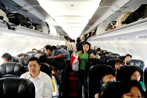 Đồ xách tay được mang theo bên mình khi lên máy bay có trọng lượng nhỏ