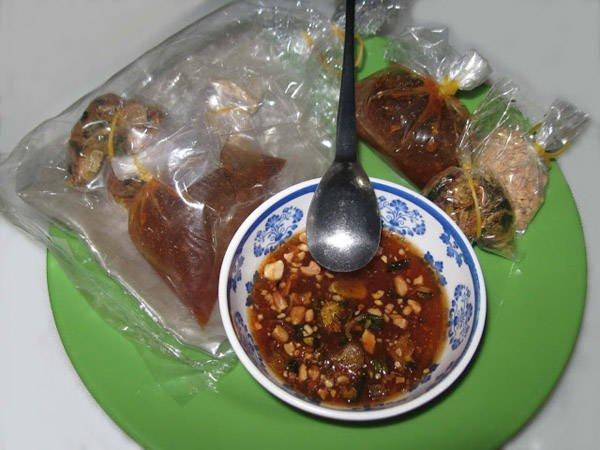 Bánh tráng me Tây Ninh.