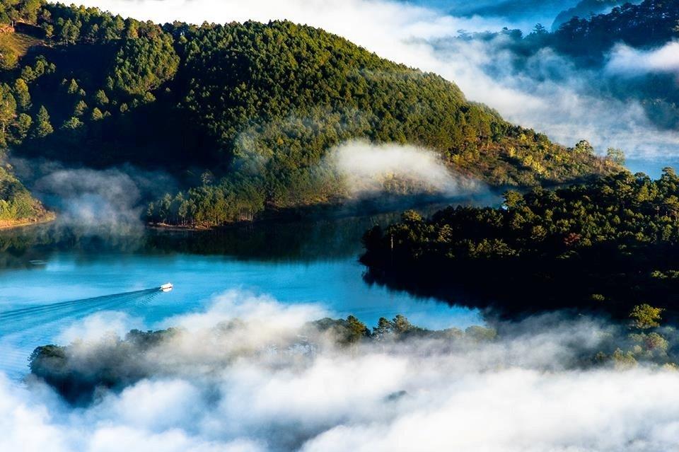 Hồ Tuyền Lâm trong đêm - Ảnh: Nguyễn Khánh Hoàng