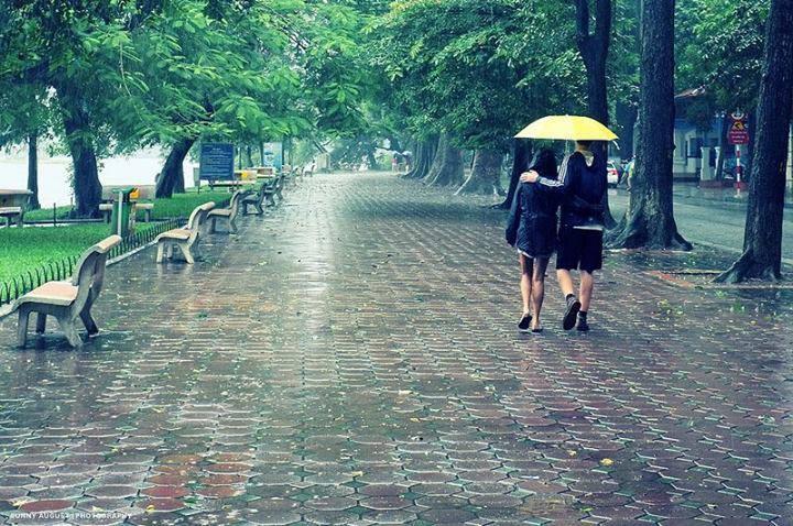 Thời tiết Sài Gòn được ví thất thường như tính tình con gái Sài Gòn. Ảnh tieuphong.