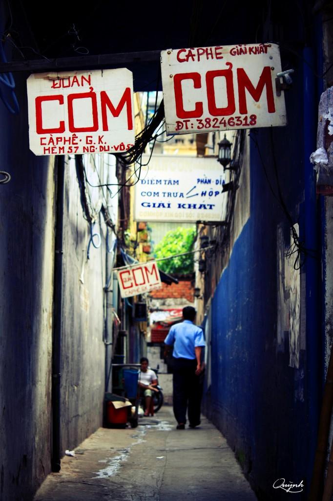 Rất đáng để lang thang trong những con hẻm ở Sài Gòn.