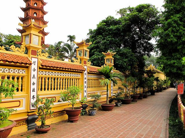 Một góc kiến trúc chùa Trấn Quốc