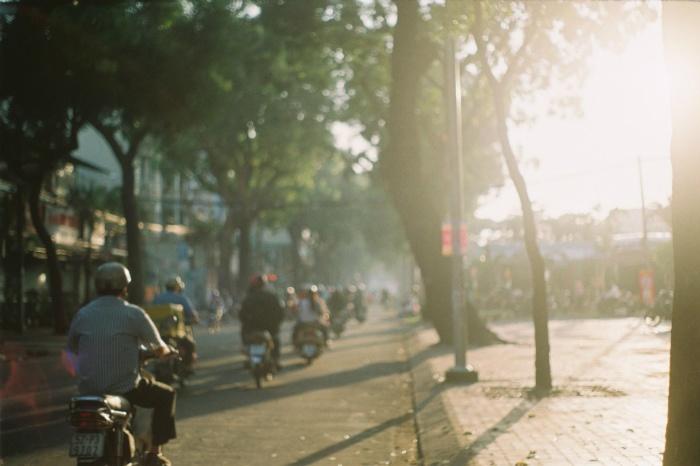 Khi tiết trời không còn nóng bức, oi nồng, con người cũng trở nên dễ chịu… - Ảnh: Dau Cuong