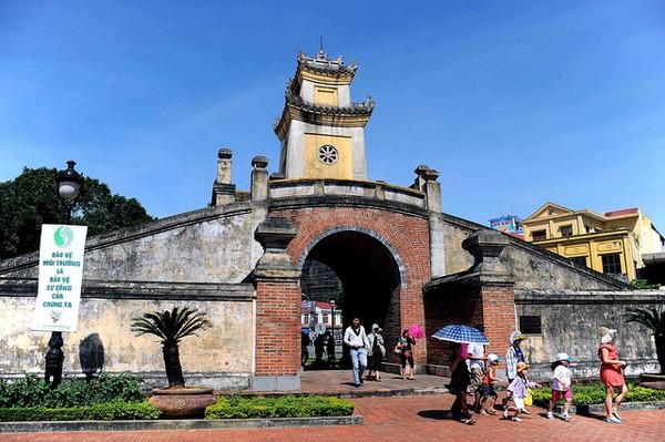 Quảng Bình Quan – một di tích nổi tiếng ở thành phố Đồng Hới.