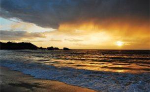 5 bãi biển trốn rét tốt nhất thế giới