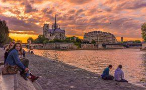 Paris vẫn chiếm trọn trái tim du khách dù bị khủng bố