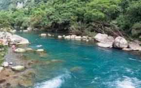 Khám phá dòng chảy yên bình của Suối Mọc giữa núi rừng Quảng Bình