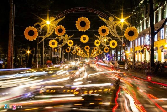 Nơi mà những con đường đèn hoa đã xuất hiện từ rất sớm - Ảnh: Sưu tầm