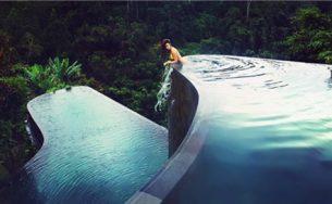 Cận cảnh hồ bơi đẹp nhất thế giới giữa núi rừng Bali