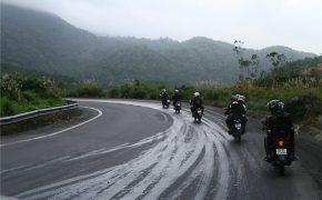 Chia sẻ kinh nghiệm hữu ích khi vượt đèo bằng xe máy