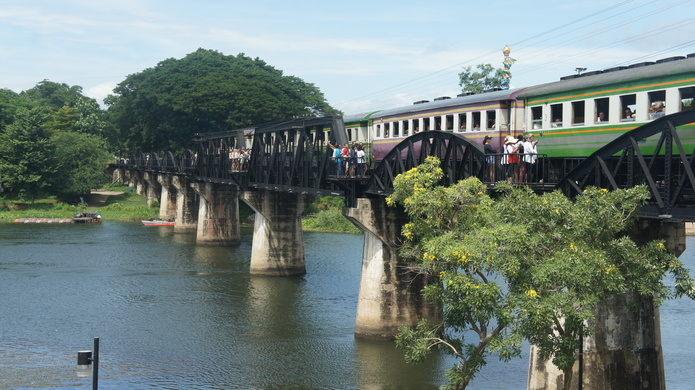 Cây cầu đường sắt chết - dấu tích của một lịch sử đau thương