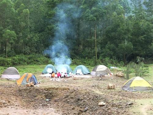 điểm cắm trại, gần Hà Nội, núi Hàm Lợn, cao nguyên Đồng Cao, biển Hải Thịnh