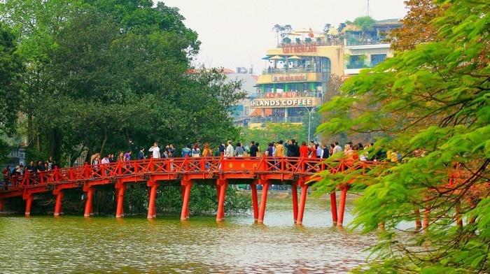 Đến Hà Nội, ngoài việc dạo quanh những địa điểm tham quan nổi tiếng, du khách đừng quên thưởng thức ẩm thực theo mùa