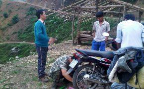 Hướng dẫn thay săm xe máy đơn giản khi đi phượt