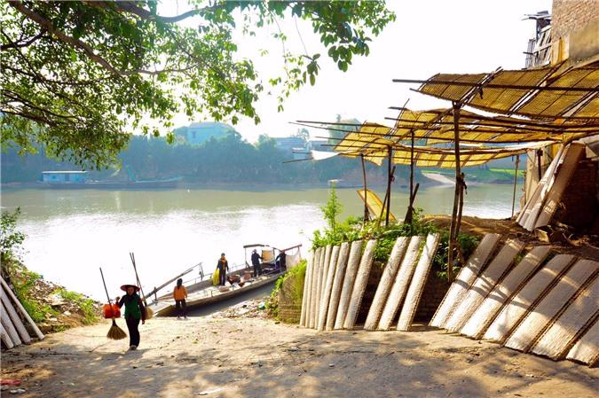 Hiện nay làng Thổ Hà đã chuyển sang nghề làm bánh đa