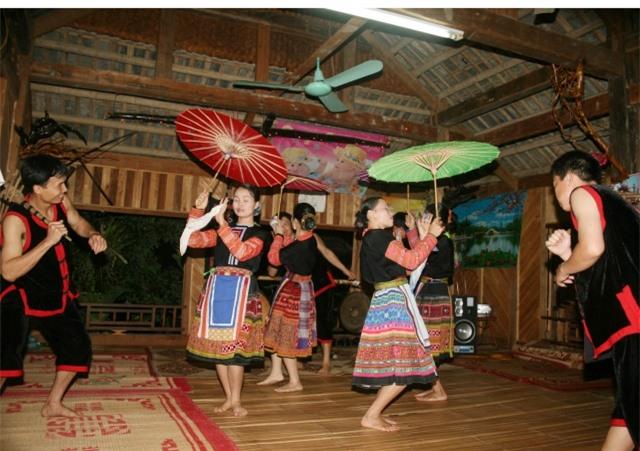 Hoạt động văn hóa nghệ thuật ở Mai Châu