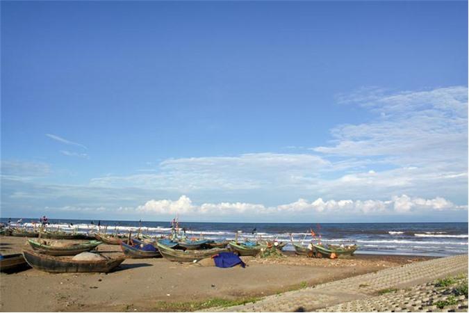 Biển Thịnh Long hoang sơ