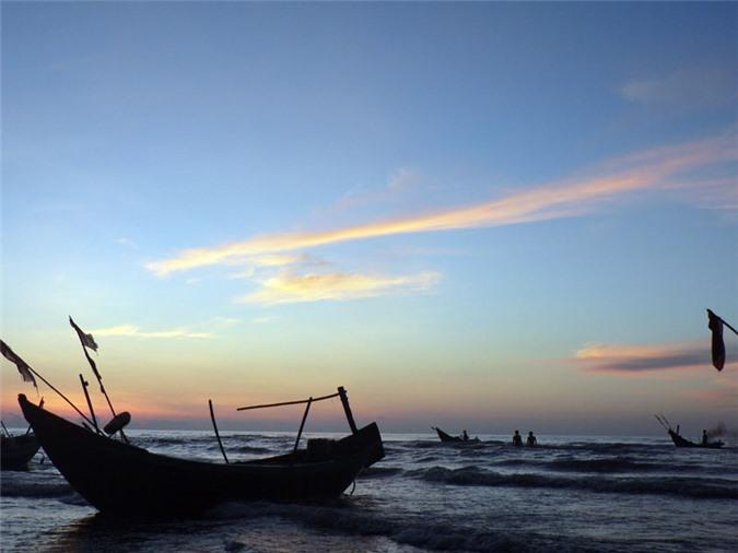 Bình minh trên biển Thịnh Long