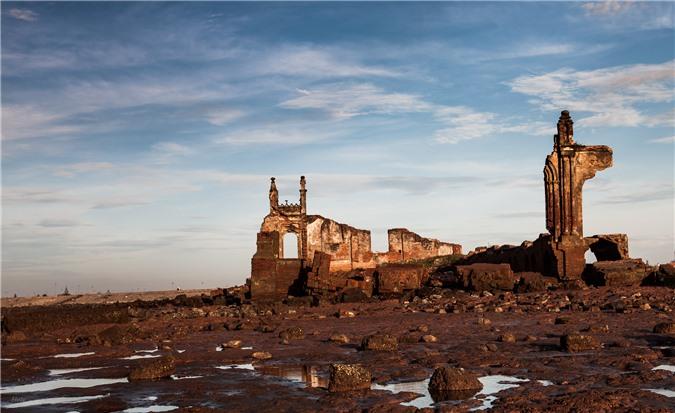 Nhà thờ đổ biển Hải Lý