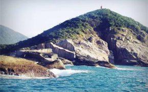 Một ngày cắm trại trên đảo Hòn Nưa hoang sơ