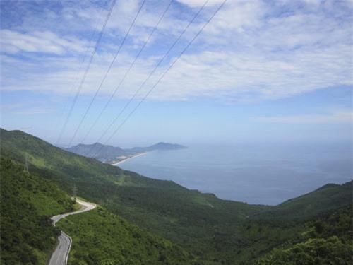 Ngắm cảnh thiên nhiên tươi đẹp trên đèo Hải Vân - 2