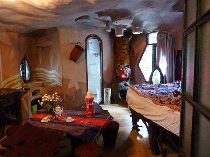 Khách sạn Attrap Reves là khách sạn kiểu bong bóng đầu tiên ở Pháp.