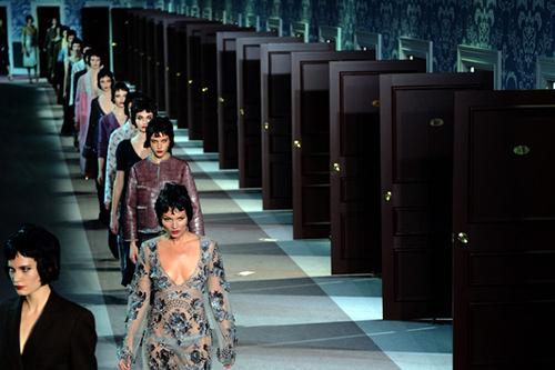 Paris là kinh đô thời trang của thế giới, nơi cập nhật những xu hướng mới nhất.