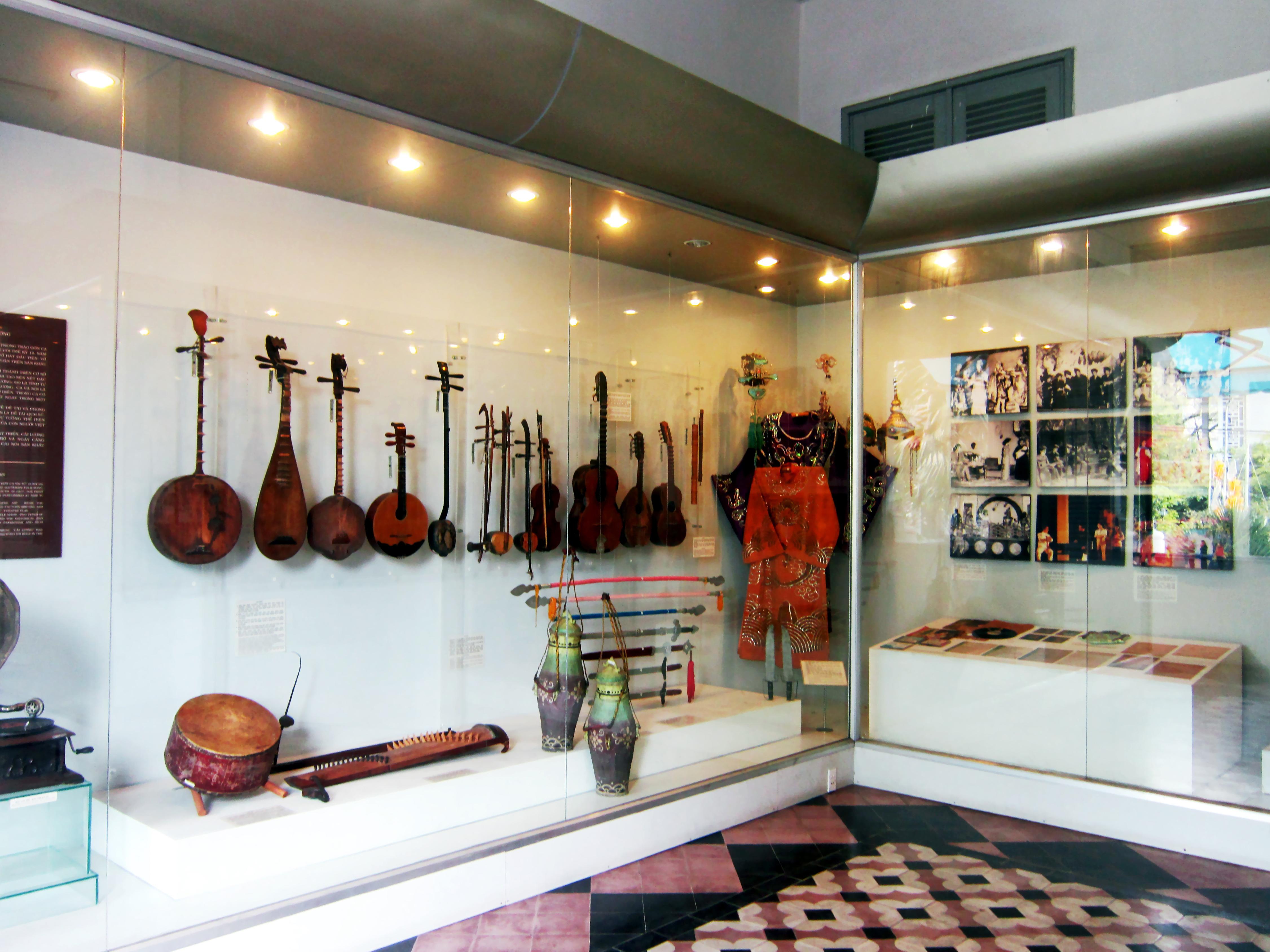 Phòng trưng bày nghệ thuật cải lương ở Bảo tàng Thành phố Hồ Chí Minh