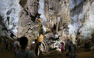 Quảng Bình giảm giá phòng và tour trong tháng 8
