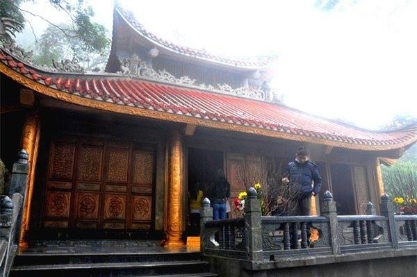 Một góc của đền bà chúa Thượng Ngàn