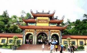 Thăm chùa Ba Vàng – điểm đến tâm linh đất Quảng Ninh
