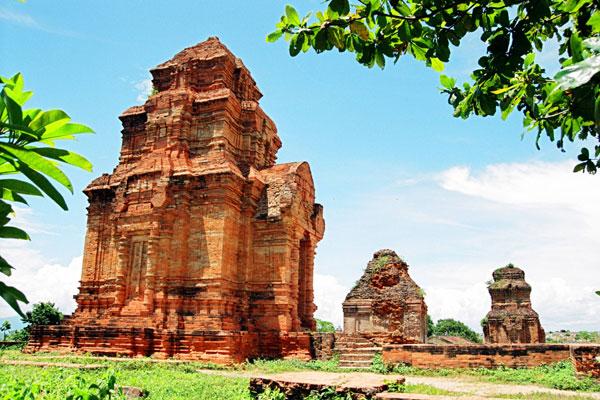 Tháp Poshanư Bình Thuận