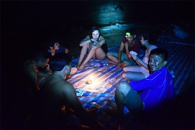 trải nghiệm, hang Tối, Quảng Bình, thung lũng Sinh Tồn, khám phá hang Tối