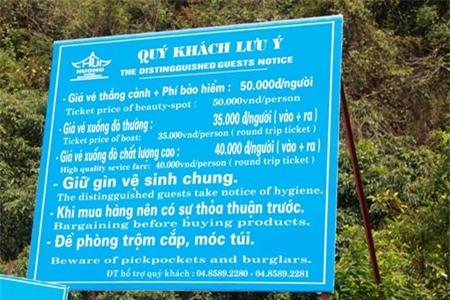 Ban tổ chức chùa Hương công khai số điện thoại đường dây nóng tại nhiều điểm tham quan