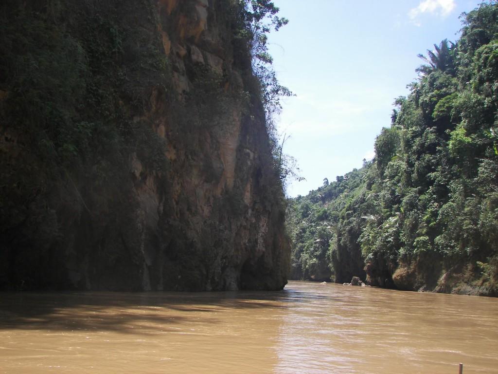Hang Tiên được coi như Hạ Long thu nhỏ của Lào Cai