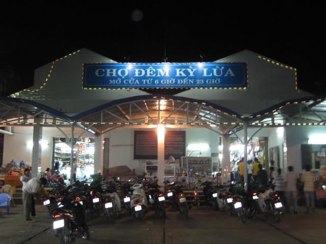 Chợ đêm Kỳ Lừa