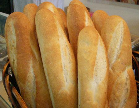 Ngửi bánh mỳ không có tác dụng chống say xe