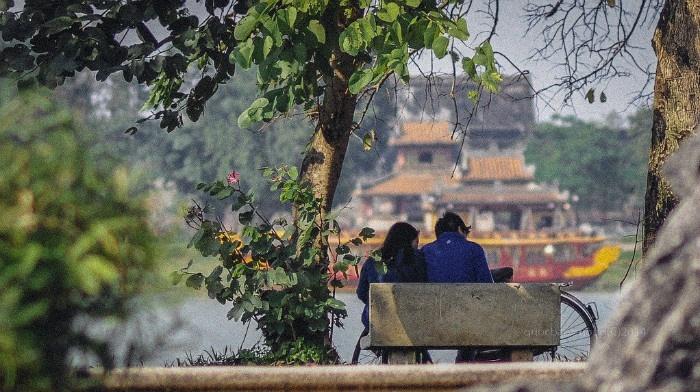 Huế những ngày đông, khoảnh khắc chừng như trôi qua thật chậm - Ảnh: Trương Quý Quốc Bảo
