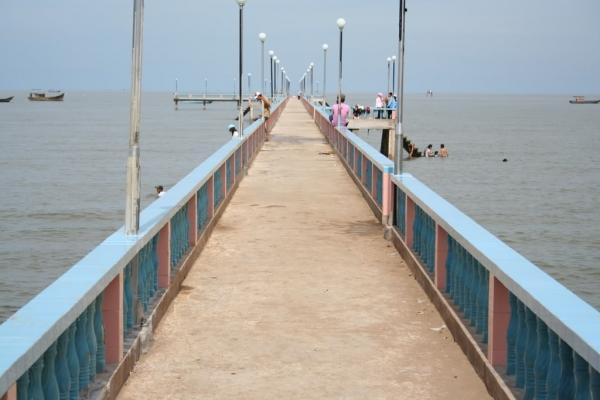 Cầu nối ra biển ở biển Tiến Thành