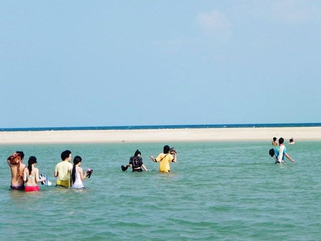 """Biển suối Ồ là địa điểm mới được giới trẻ """"khai phá"""""""