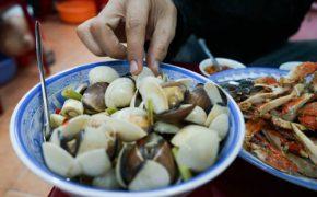 5 quán ốc hấp dẫn bạn phải thử ở Sài Gòn
